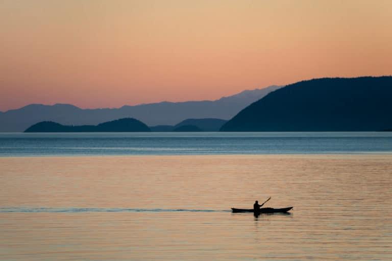 A stunning sunset on a San Juan Islands Kayak Tour