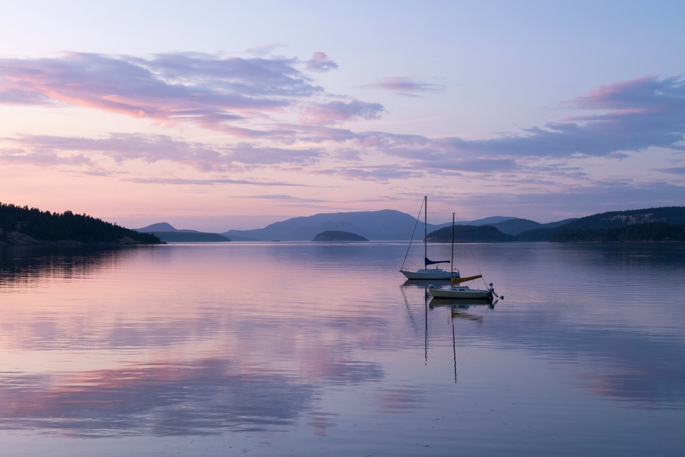 Sailing into the sunset this summer... Come enjoy the best things to do in the San Juan Islands!