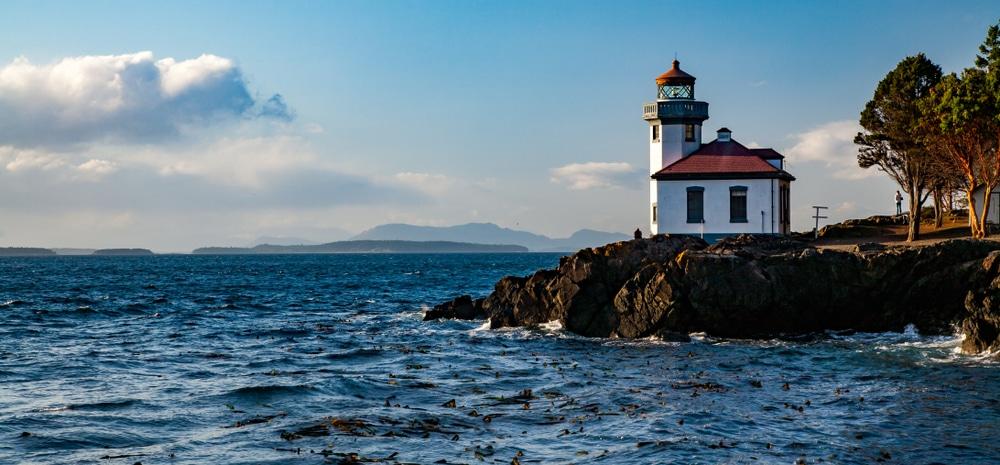 Beautiful lighthouse at Lime Kiln Point State Park on San Juan Island