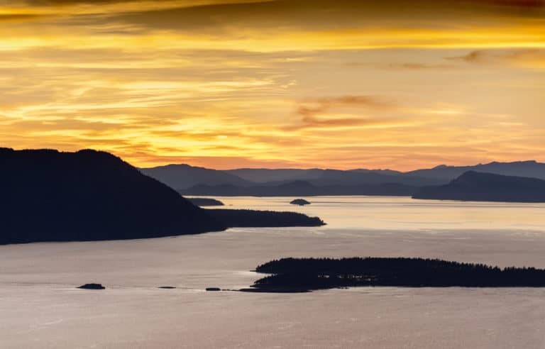 A stunning getaway to enjoy all of the best things to do in Friday Harbor This Fall